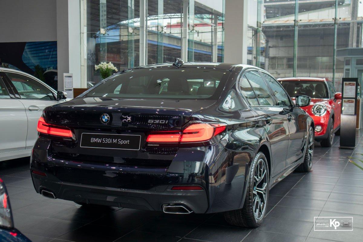 Ảnh thực tế BMW 530i M-Sport 2021 tại đại lý Việt Nam, giá gần 3,3 tỷ đồng a11