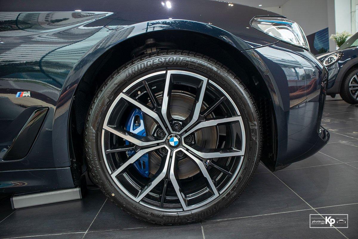 Ảnh thực tế BMW 530i M-Sport 2021 tại đại lý Việt Nam, giá gần 3,3 tỷ đồng a8