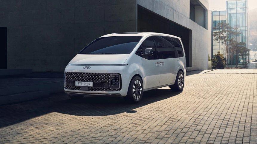 Hyundai Staria 2021 thông quan Philippines theo đường nhập khẩu tư nhân.