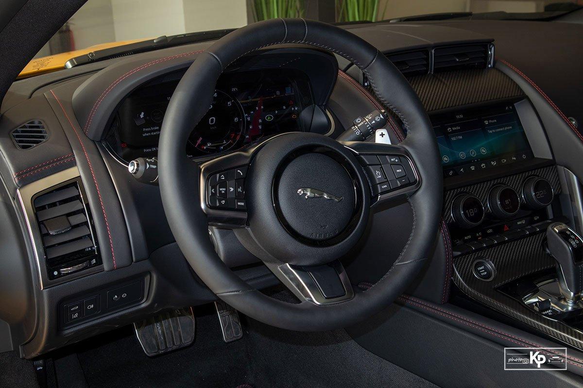 nội thất Jaguar F-Type.