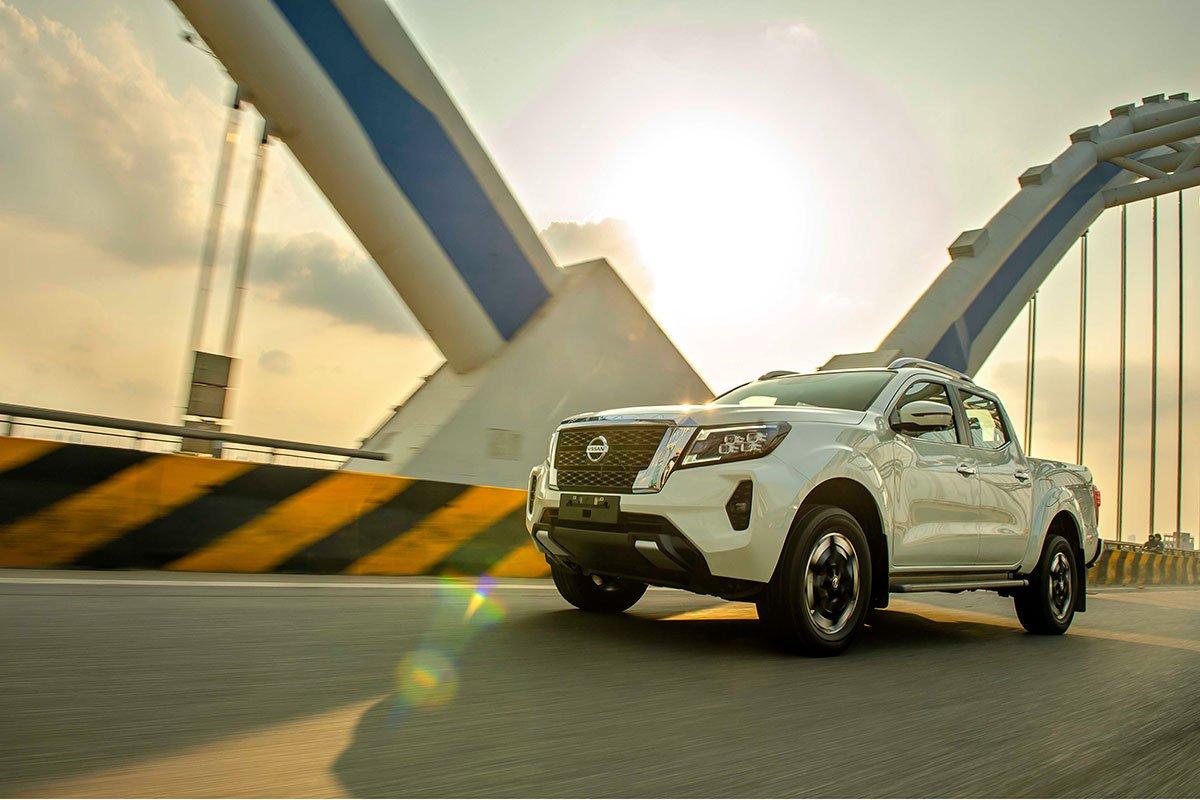 Chốt giá 895 triệu đồng, Nissan Navara 4WD 2021 có gì đấu Ford Ranger?a34