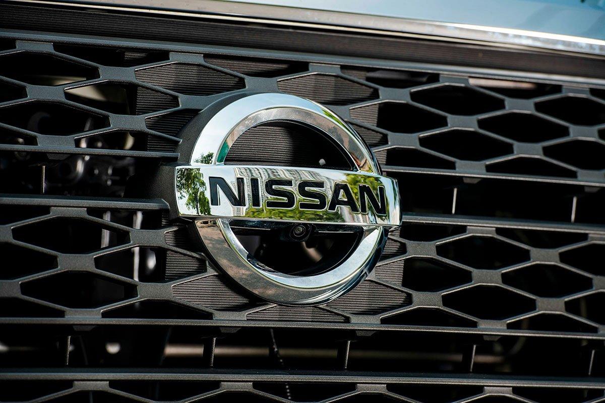 Chốt giá 895 triệu đồng, Nissan Navara 4WD 2021 có gì đấu Ford Ranger?a7