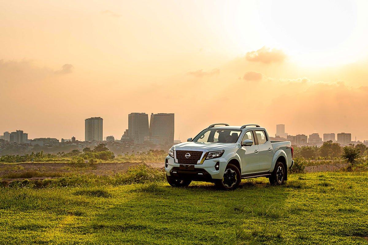 Chốt giá 895 triệu đồng, Nissan Navara 4WD 2021 có gì đấu Ford Ranger?a1