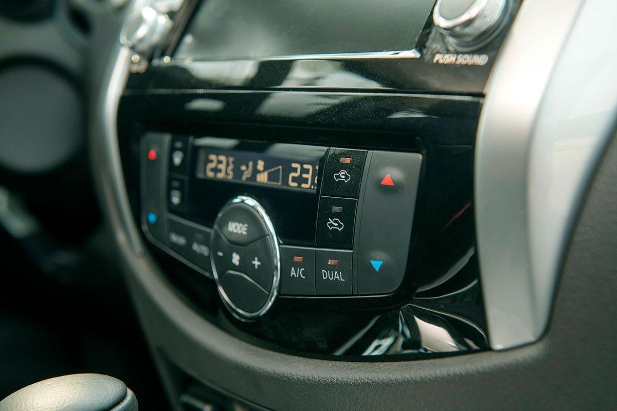 Chốt giá 895 triệu đồng, Nissan Navara 4WD 2021 có gì đấu Ford Ranger?a31
