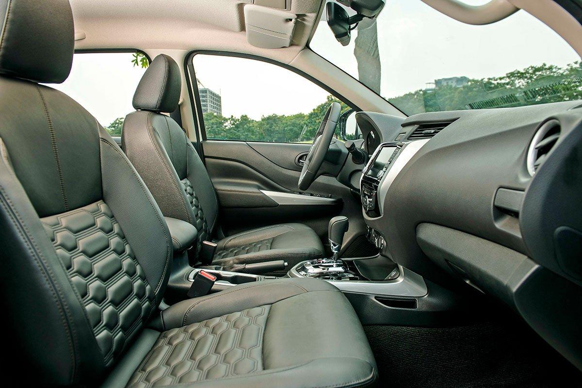 Chốt giá 895 triệu đồng, Nissan Navara 4WD 2021 có gì đấu Ford Ranger?a28