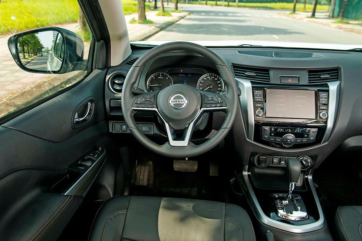 Chốt giá 895 triệu đồng, Nissan Navara 4WD 2021 có gì đấu Ford Ranger?a24