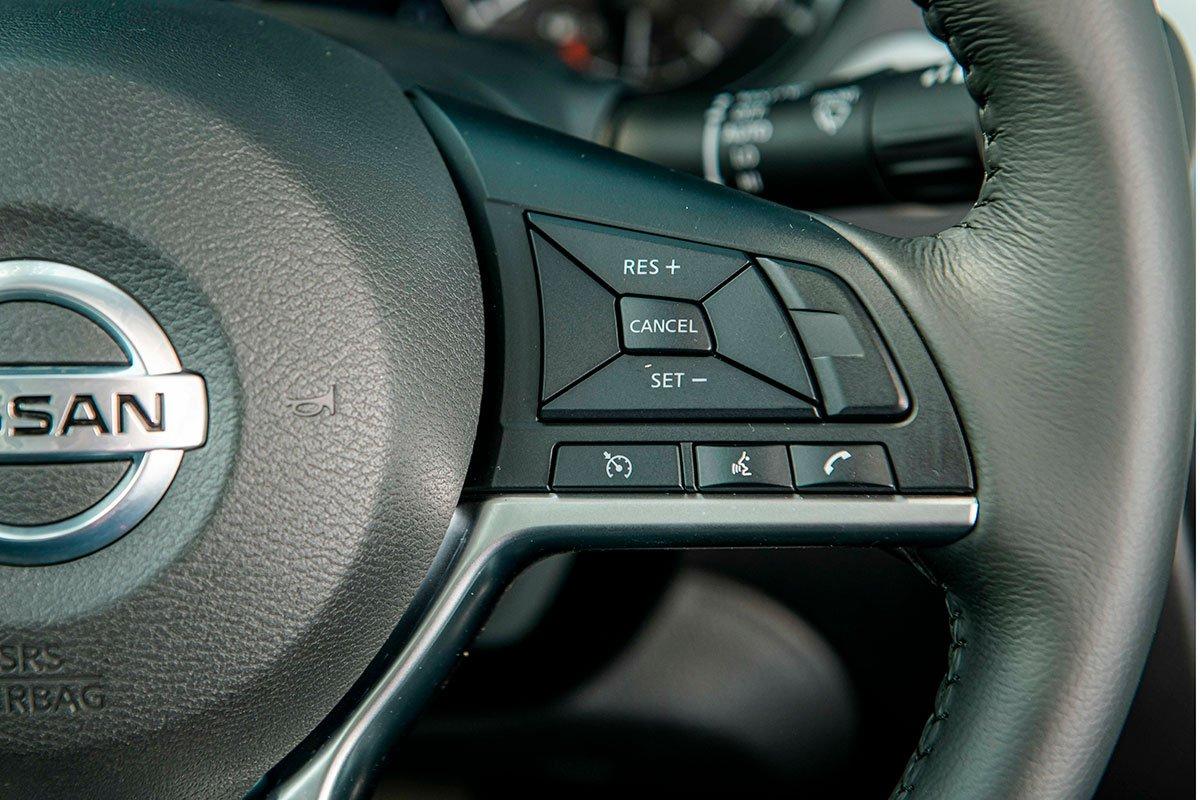 Chốt giá 895 triệu đồng, Nissan Navara 4WD 2021 có gì đấu Ford Ranger?a26