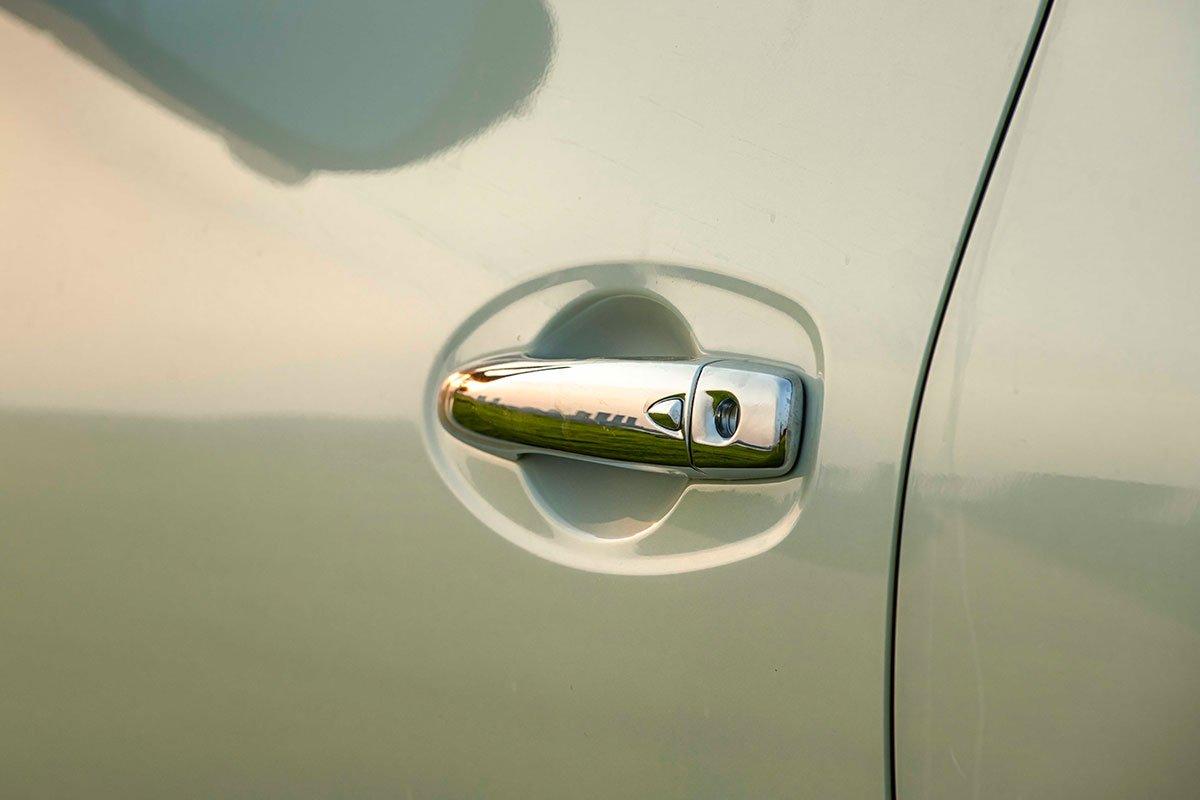 Chốt giá 895 triệu đồng, Nissan Navara 4WD 2021 có gì đấu Ford Ranger?a14