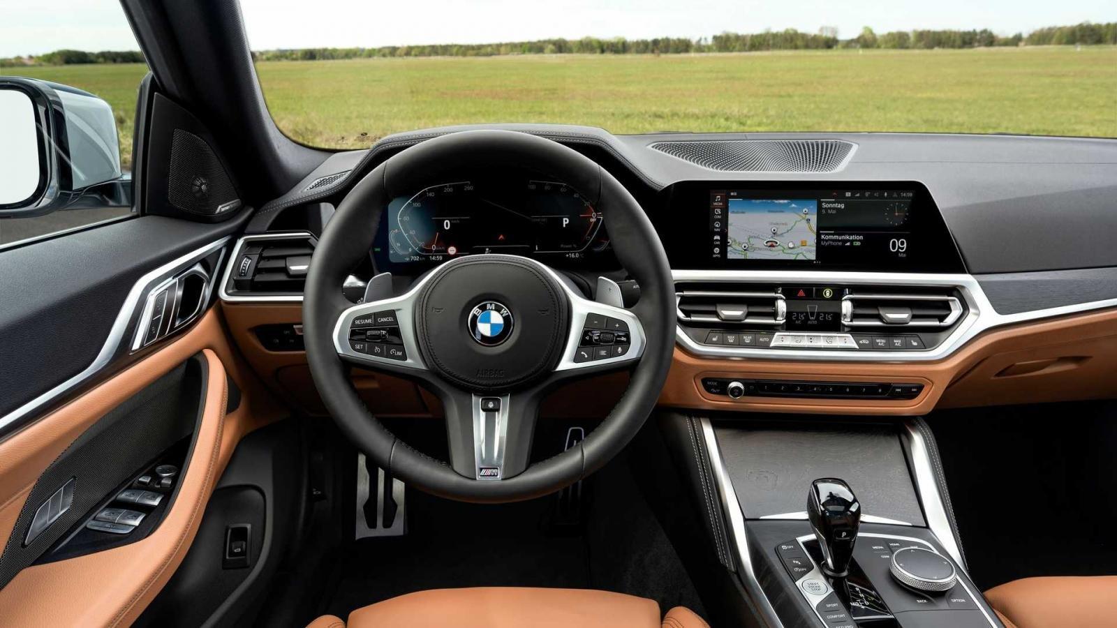 BMW 4-Series Gran Coupe 2022 trang bị tối tân.