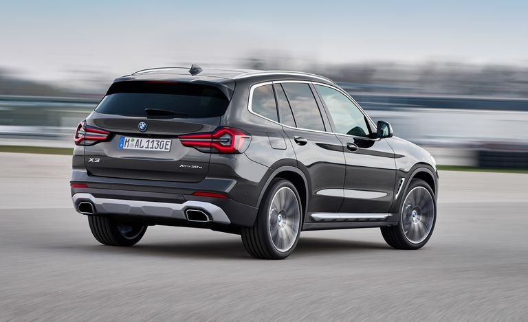 BMW X3 2022 hấp dẫn hơn nữa.