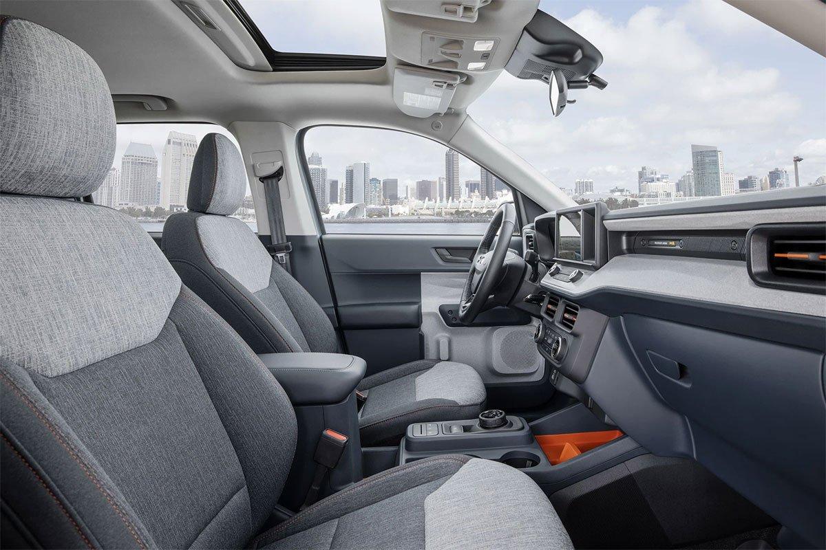 Nội thất Ford Maverick thiết kế gọn gàng, sang trọng.