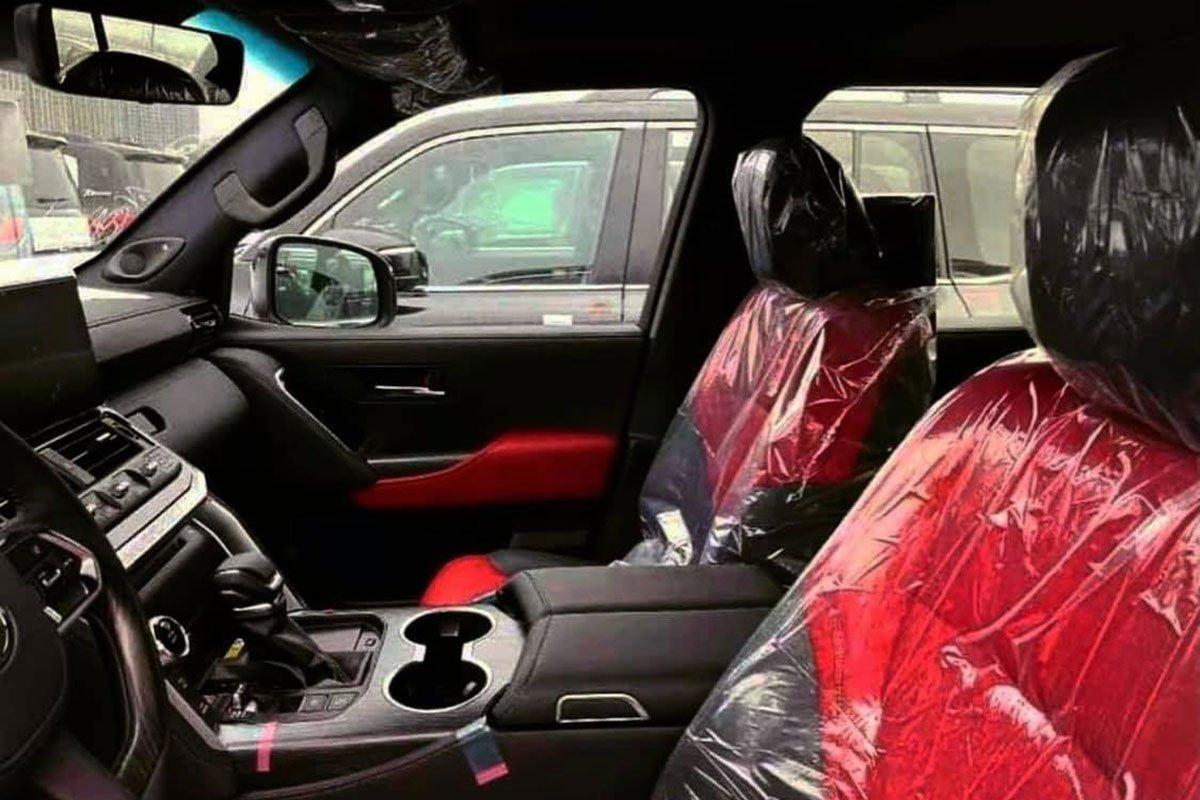 Chiêm ngưỡng ảnh thực tế nội thất Toyota Land Cruiser 2022 hoàn toàn mới, ai còn chê già nữa a5
