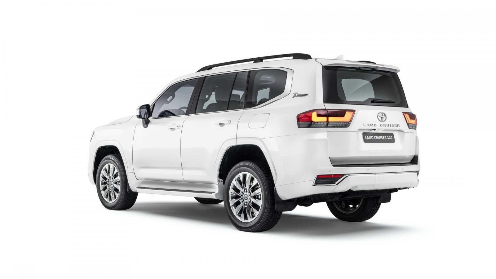 Toyota Land Cruiser 2022 trang bị hệ thống động cơ hiện đại hơn.