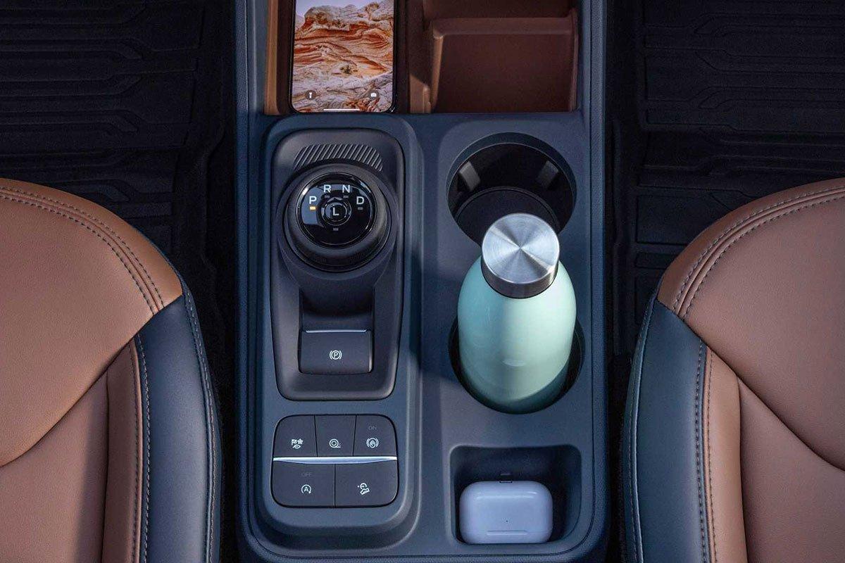Ảnh Hộc đồ xe Ford Maverick 2022