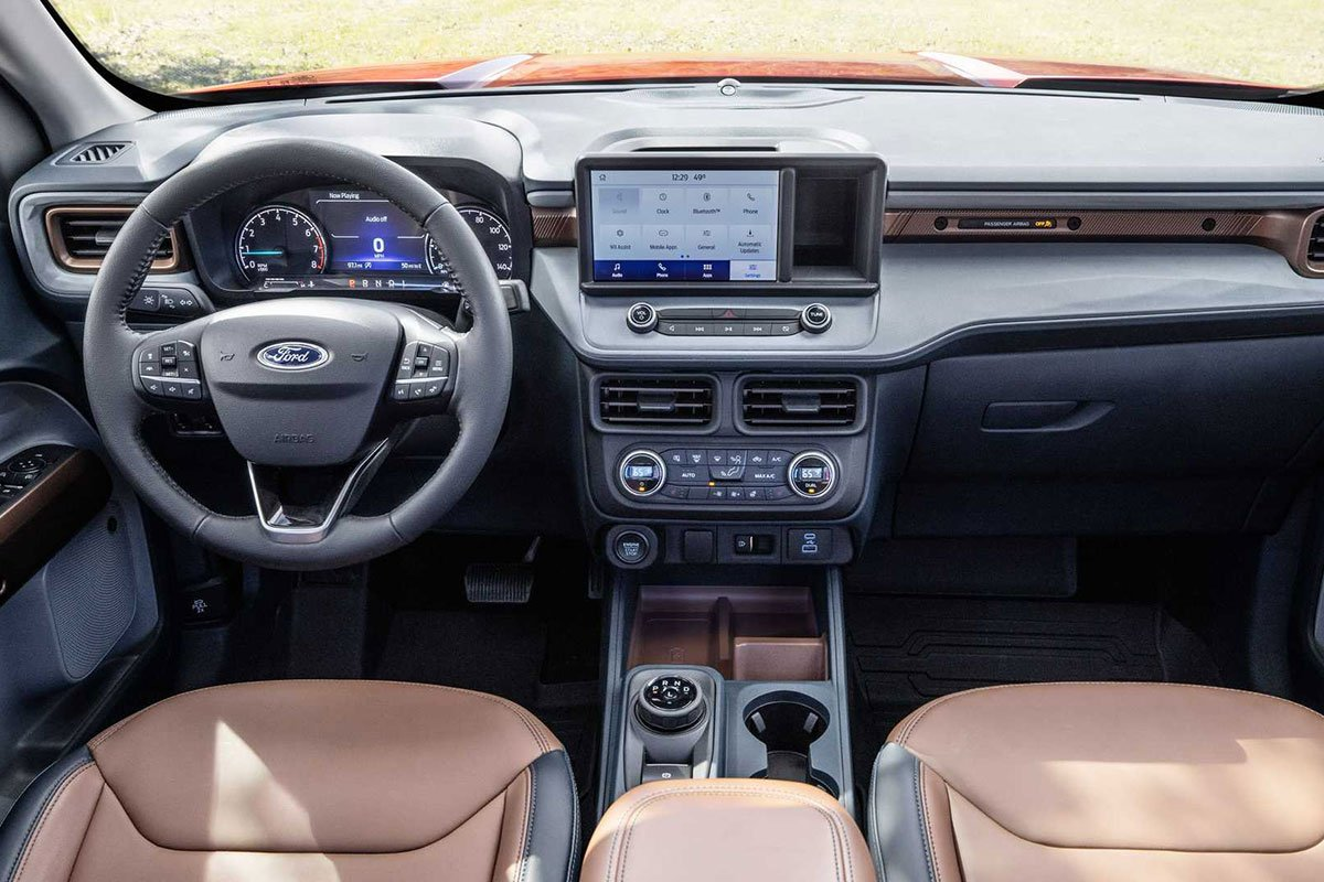 Ảnh Khoang lái xe Ford Maverick 2022