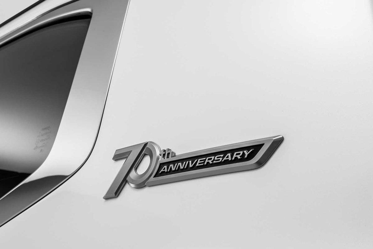 Ảnh Logo xe Toyota Land Cruiser 2022