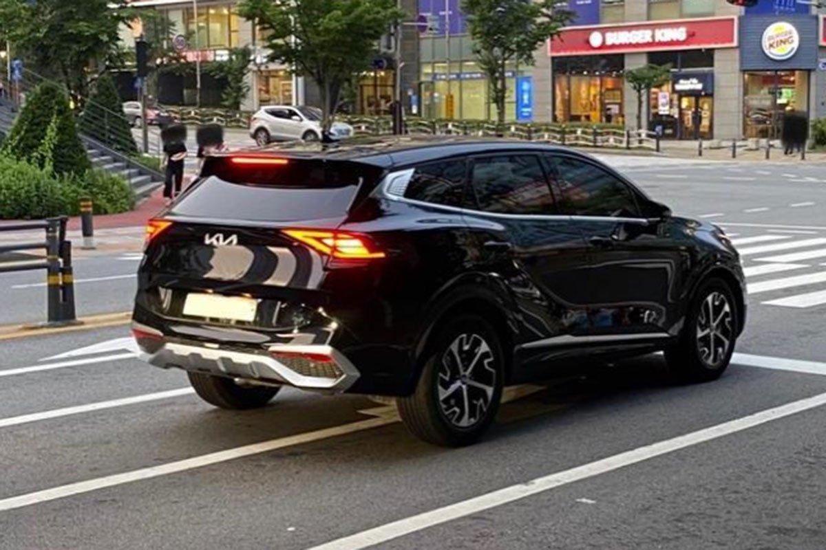 """Ngắm Kia Sportage 2022 """"bằng xương, bằng thịt"""" ngoài đời thực, sẽ gây khó cho CX-5, CR-V khi về Việt Nam a3"""