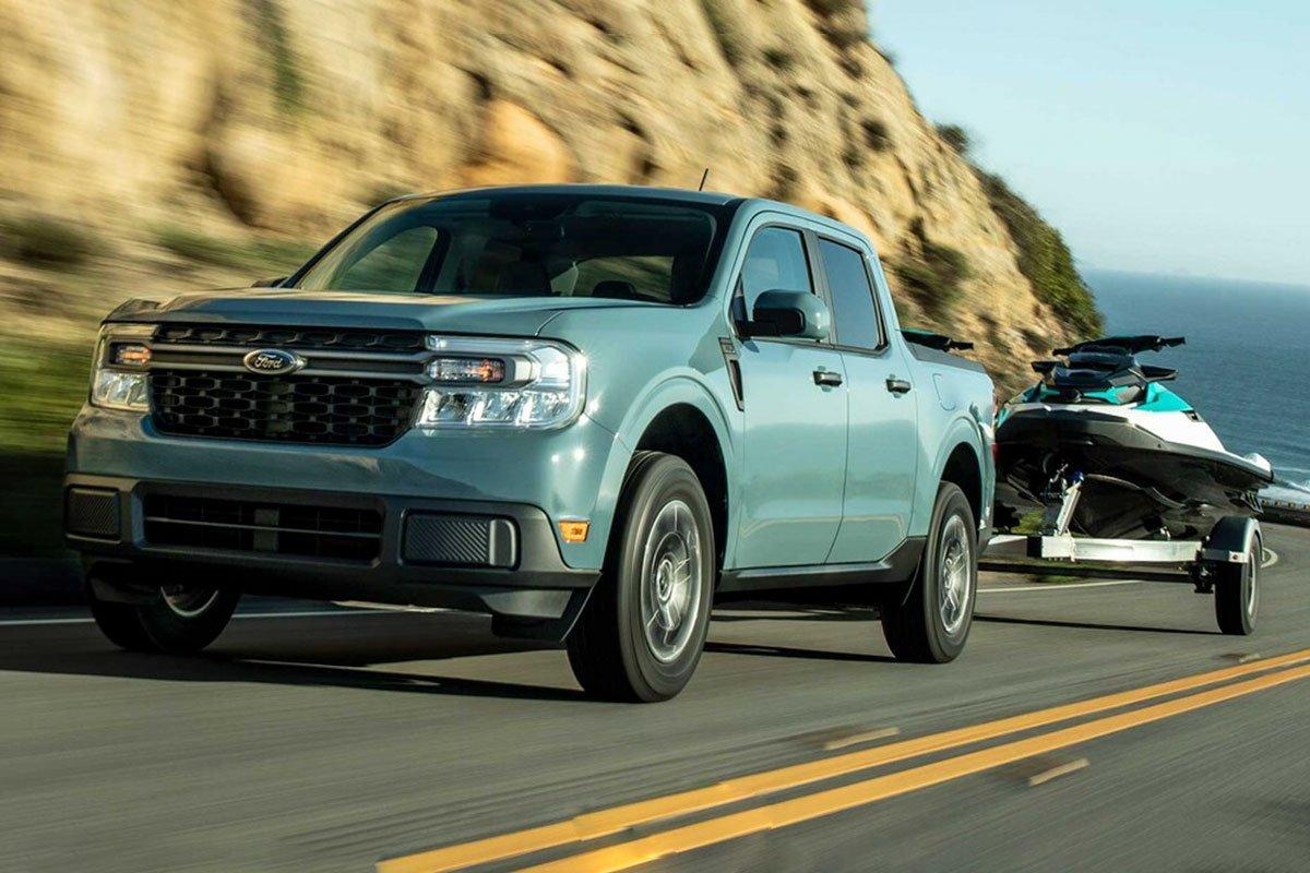 Ford Maverick 2022 kéo xe.