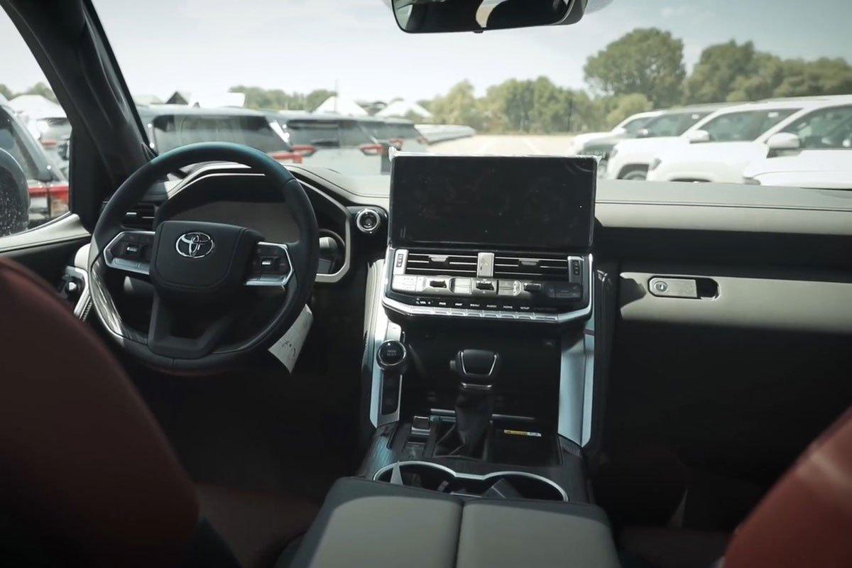 """Người đầu tiên """"bóc tem"""" Toyota Land Cruiser 2022: Quá nhiều điểm mới bất ngờ a3"""