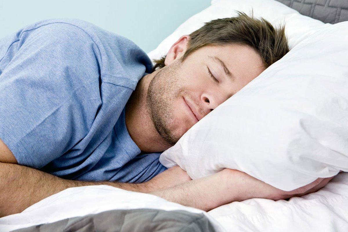 Cần ngủ đủ giấc trước khi lái xe để tránh giấc ngủ trắng.