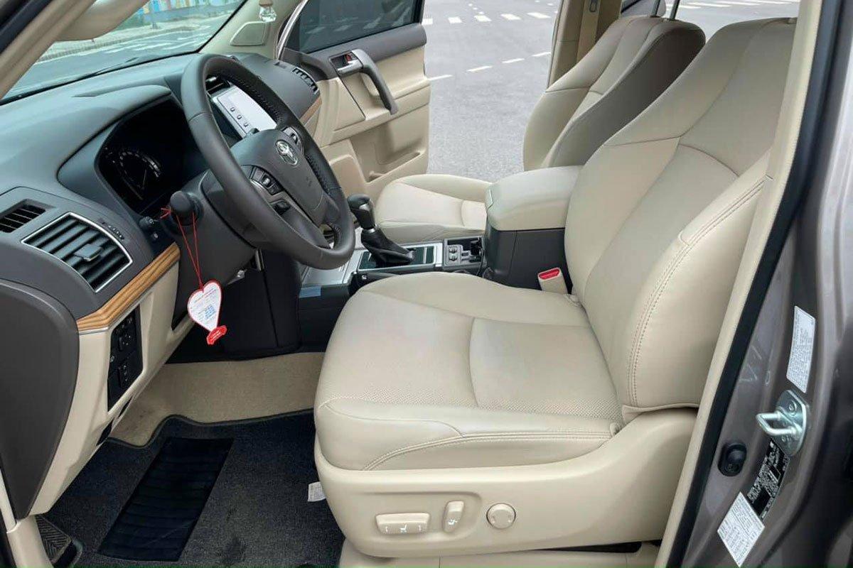 Toyota Land Cruiser Prado đăng ký 2021, chạy lướt bán lại đắt hơn giá niêm yết, có đáng mua a7