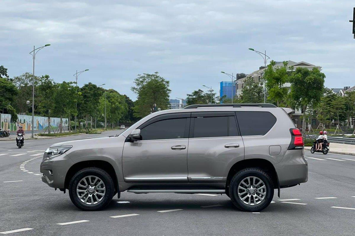 Toyota Land Cruiser Prado đăng ký 2021, chạy lướt bán lại đắt hơn giá niêm yết, có đáng mua a710