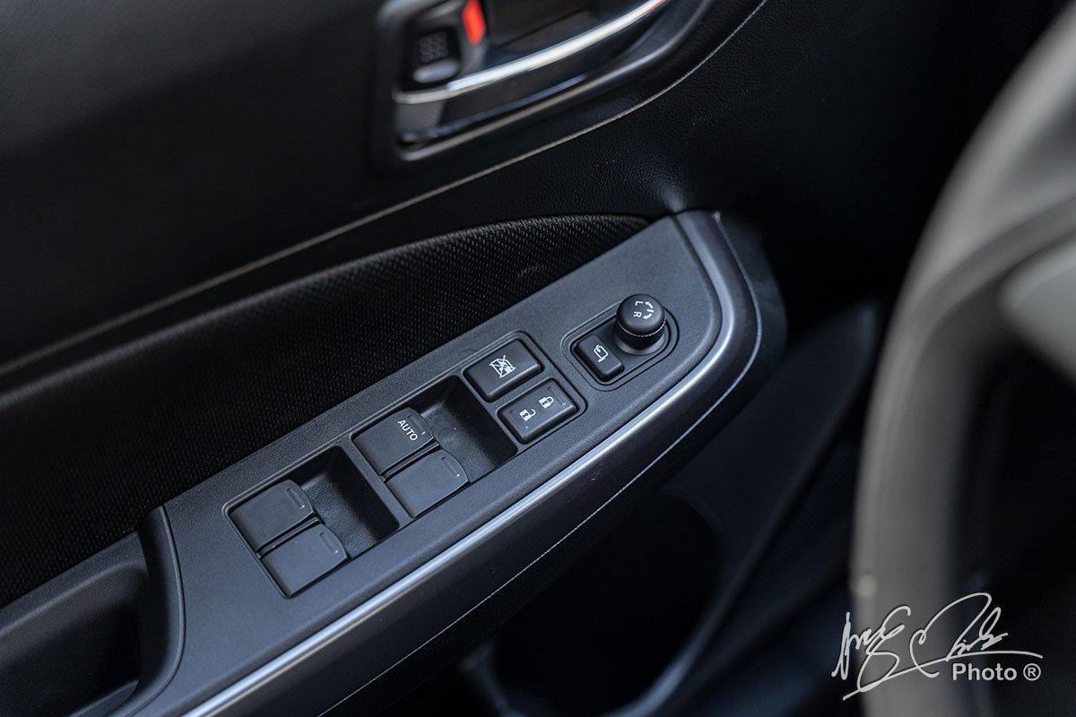 Ảnh Chỉnh kính xe Suzuki Swift 2021