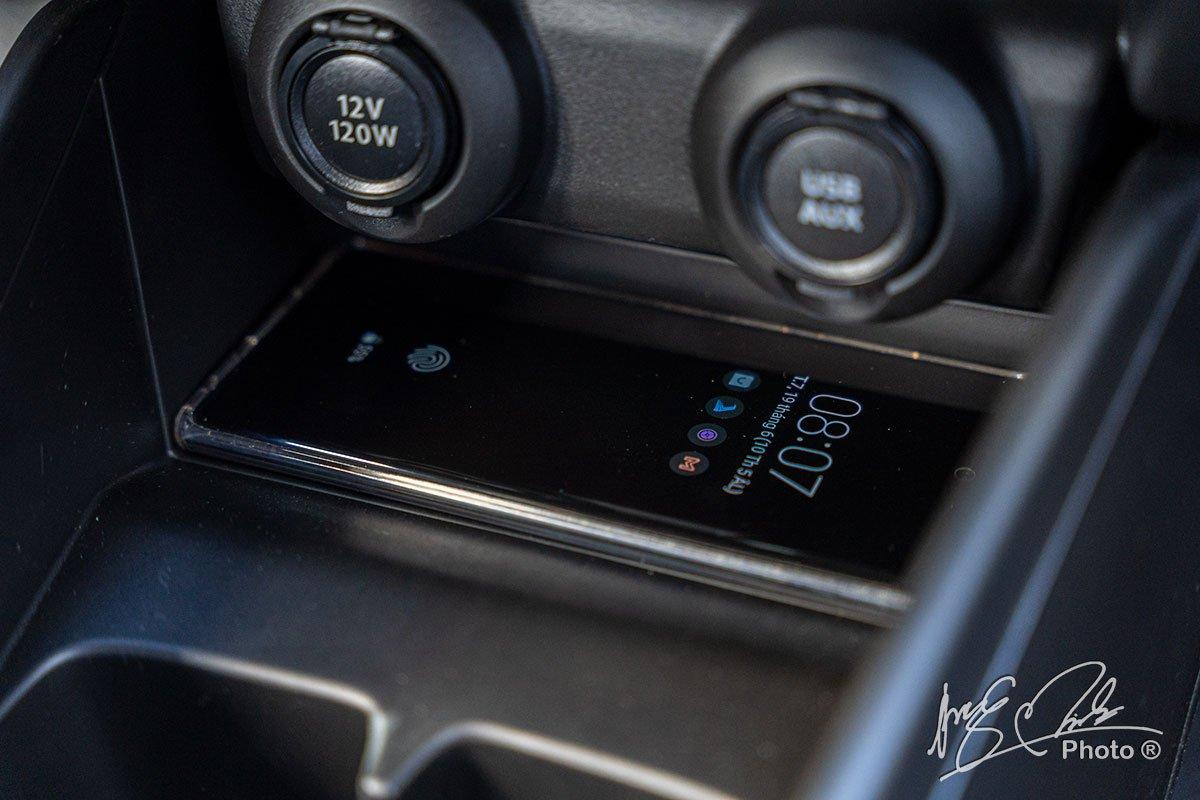 Ảnh Sạc không dây xe Suzuki Swift 2021 a12