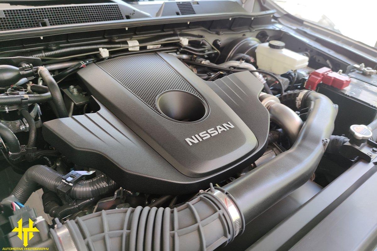 Nissan Navara 2021 vẫn sử dụng động cơ diesel 2.3 L cải tiến.