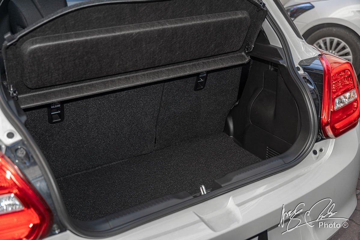 Ảnh Khoang hành lý xe Suzuki Swift 2021