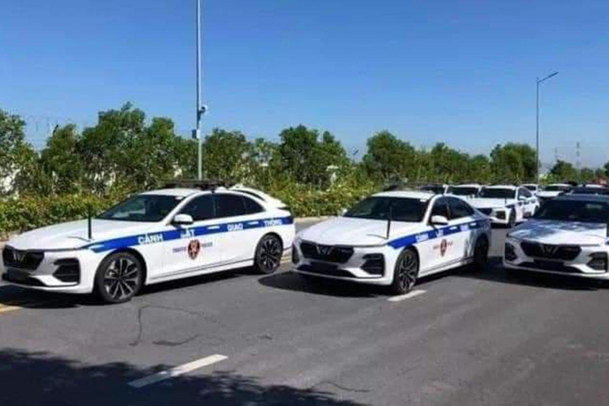 Dàn xe VinFast sử dụng cho lực lượng cảnh sát Việt Nam xuất hiện ấn tượng trên đường phố.