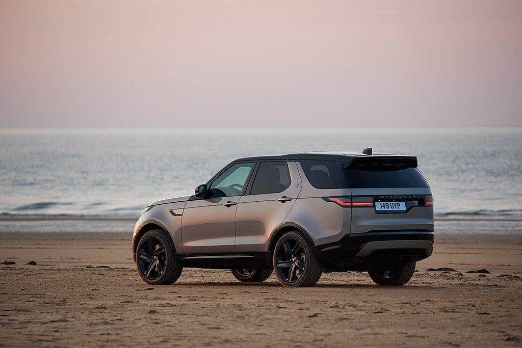 Land Rover Discovery mới sang trọng, mạnh mẽ và đa dụng cao.