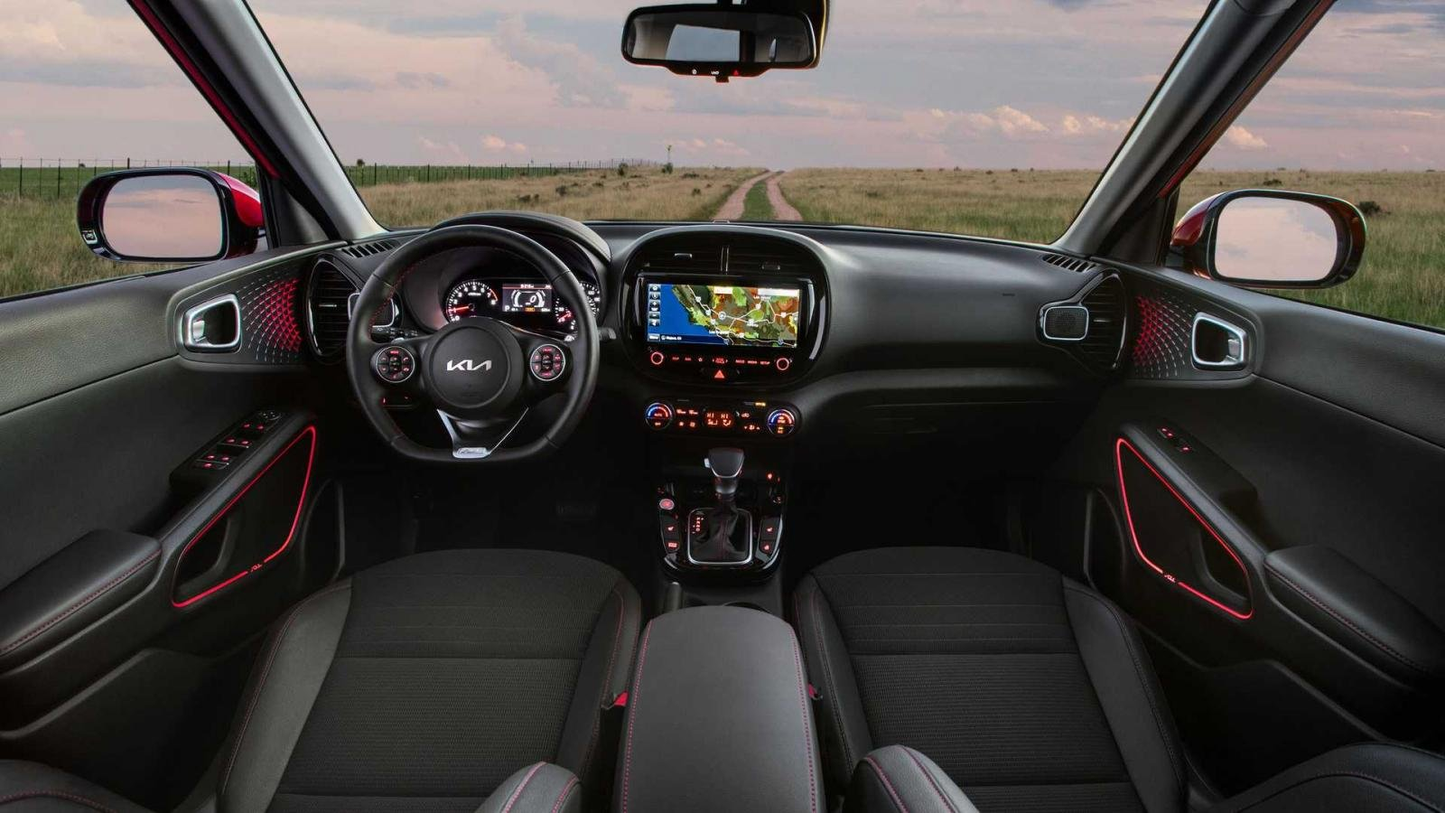 Kia Soul 2022 mới tích hợp thêm hàng loạt công nghệ hỗ trợ lái cùng tính năng an toàn hiện đại.