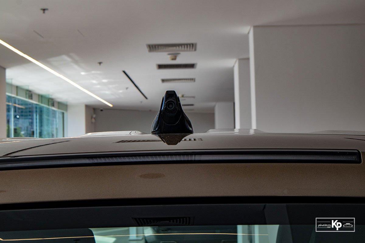 Ảnh Camera sau xe Land Rover Defender 90 2021