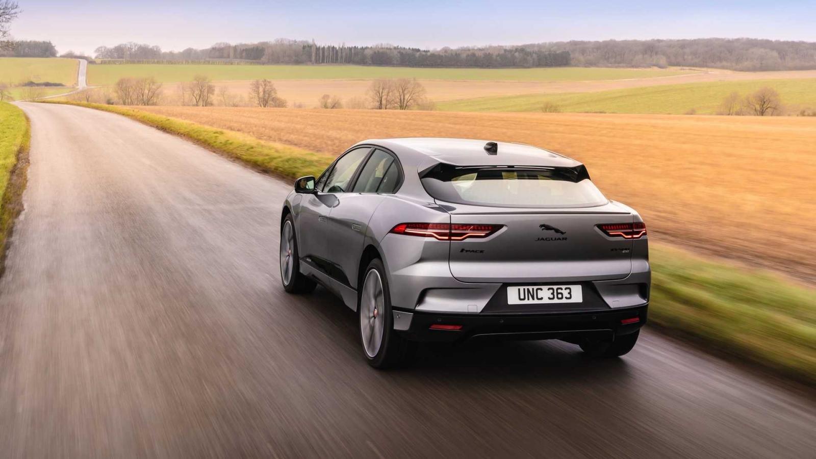 Jaguar I-Pace 2022 mới chỉ được cung cấp với 1 biến thể duy nhất.
