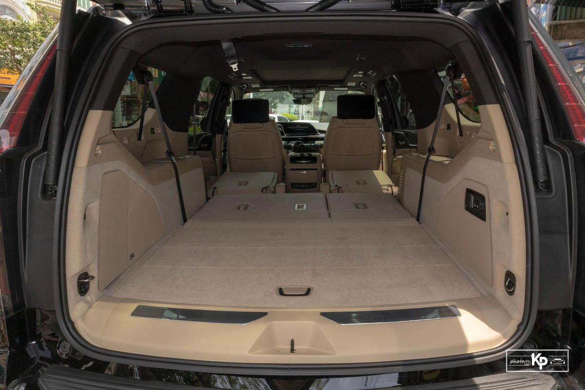 Ngắm Cadillac Escalade ESV 2021 bản máy to và nội thất nhiều điểm mới so với xe đã về Việt Nam trước đó  a4h