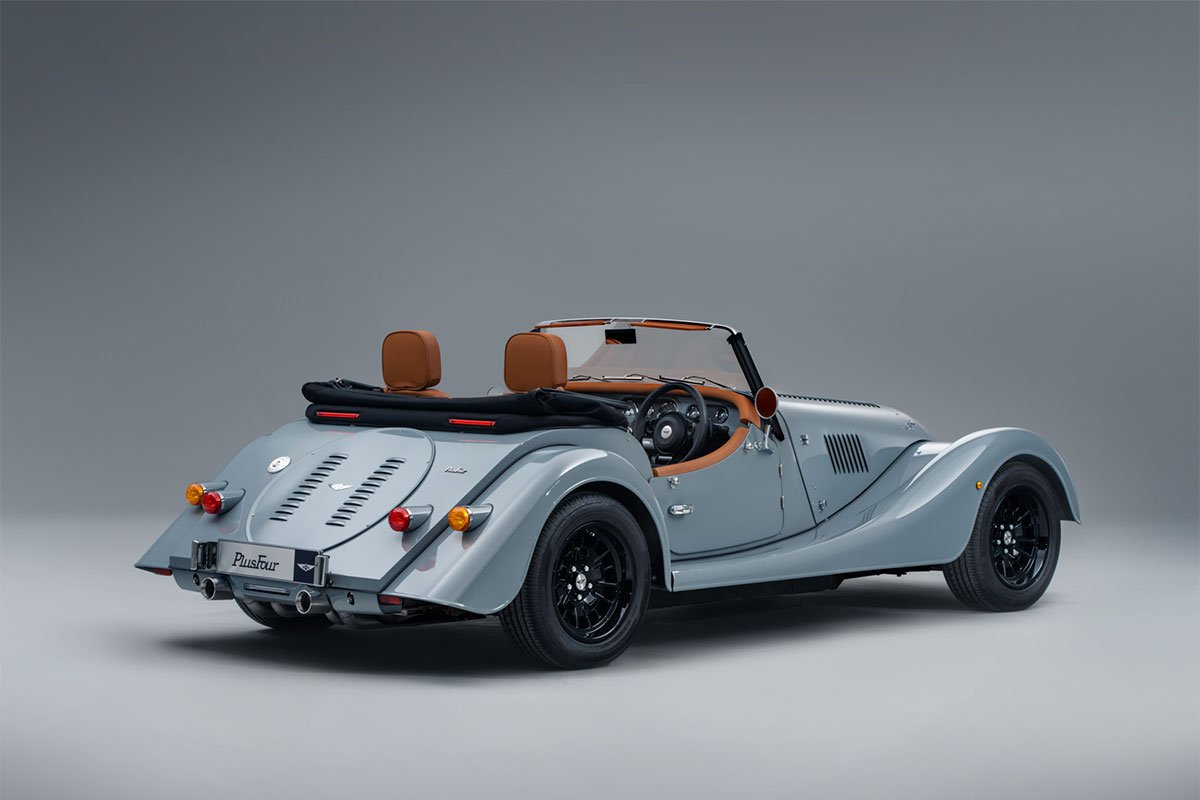 Morgan Plus Four có giá bán 64.995-67.495 bảng Anh.