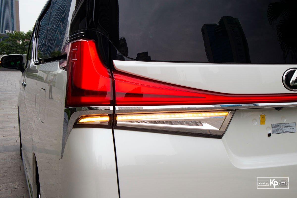 Ảnh Đèn hậu xe Lexus LM 350 2021 a1
