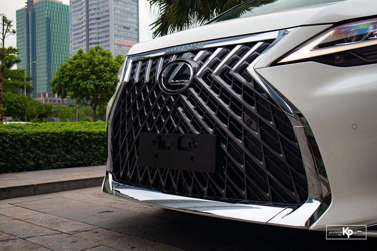 Ảnh Lưới tản nhiệt xe Lexus LM 350 2021