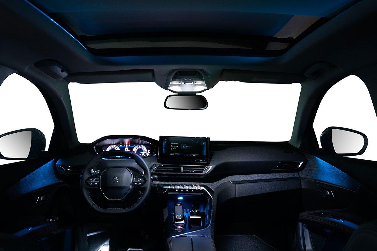 Nội thất Peugeot 3008 bản nâng cấp duy trì triết lý thiết kế i-Cockpit.