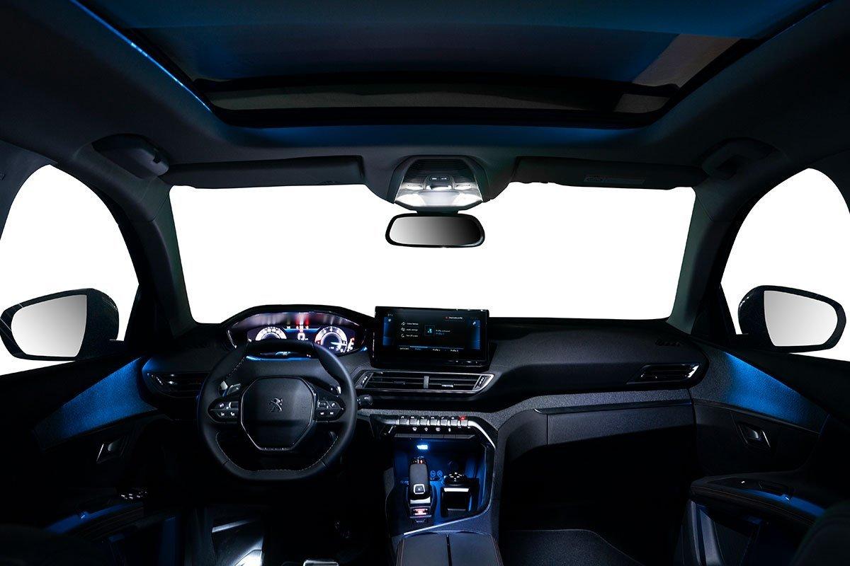 nội thất xe Peugeot 3008 2021 mới nhất.