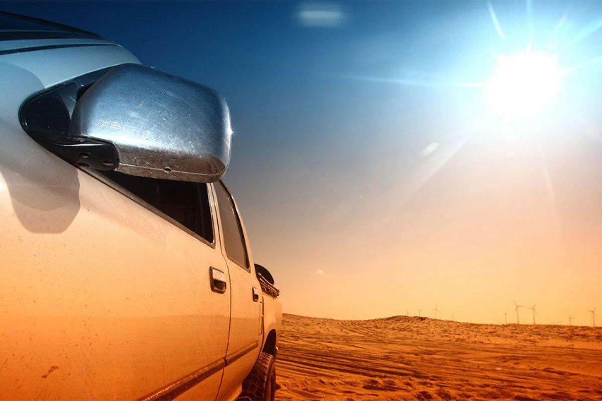 Tránh đỗ xe dưới ánh nắng mặt trời quá lâu để xe không bị ố vàng.