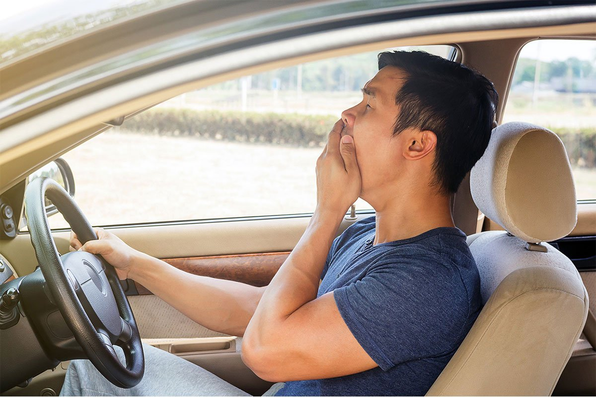 Khát nước khi lái xe có nguy cơ gây tai nạn cao như khi uống rượu bia.