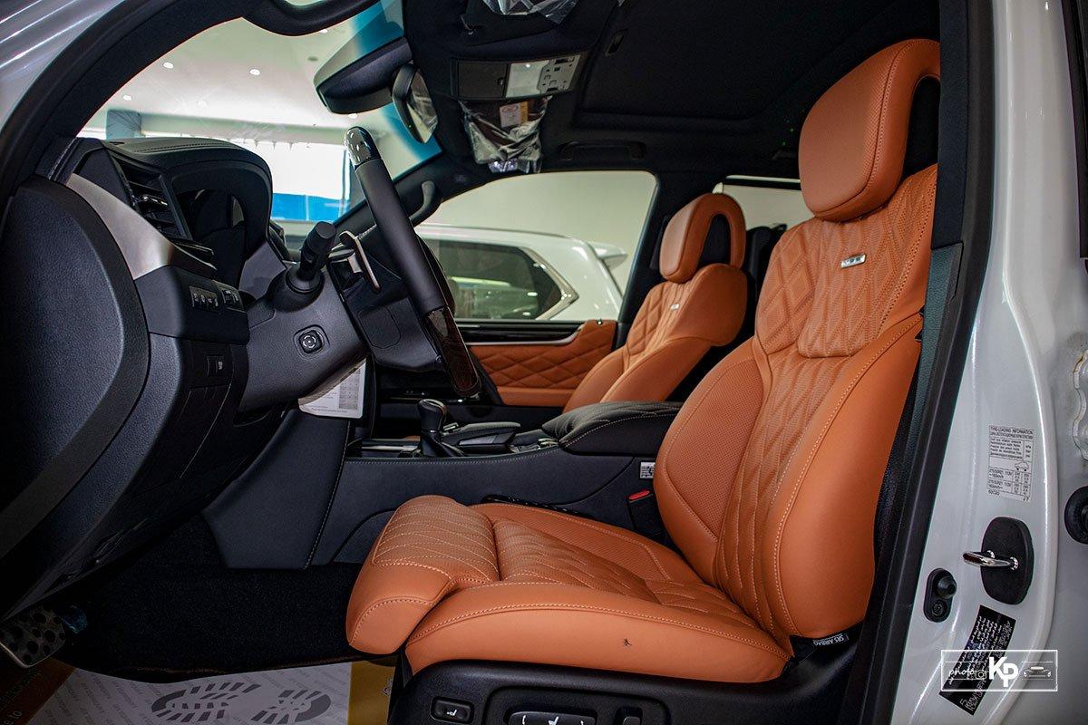Ảnh Ghế lái xe Lexus LX570 Super Sport 2021