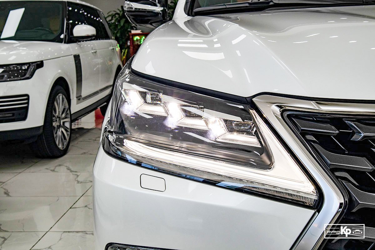 Ảnh Đèn pha xe Lexus LX570 Super Sport 2021