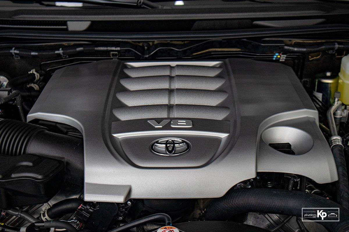 Ảnh Động cơ xe Toyota Land Cruiser 2021
