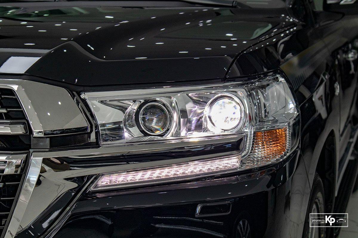 Ảnh Đèn pha xe Toyota Land Cruiser 2021