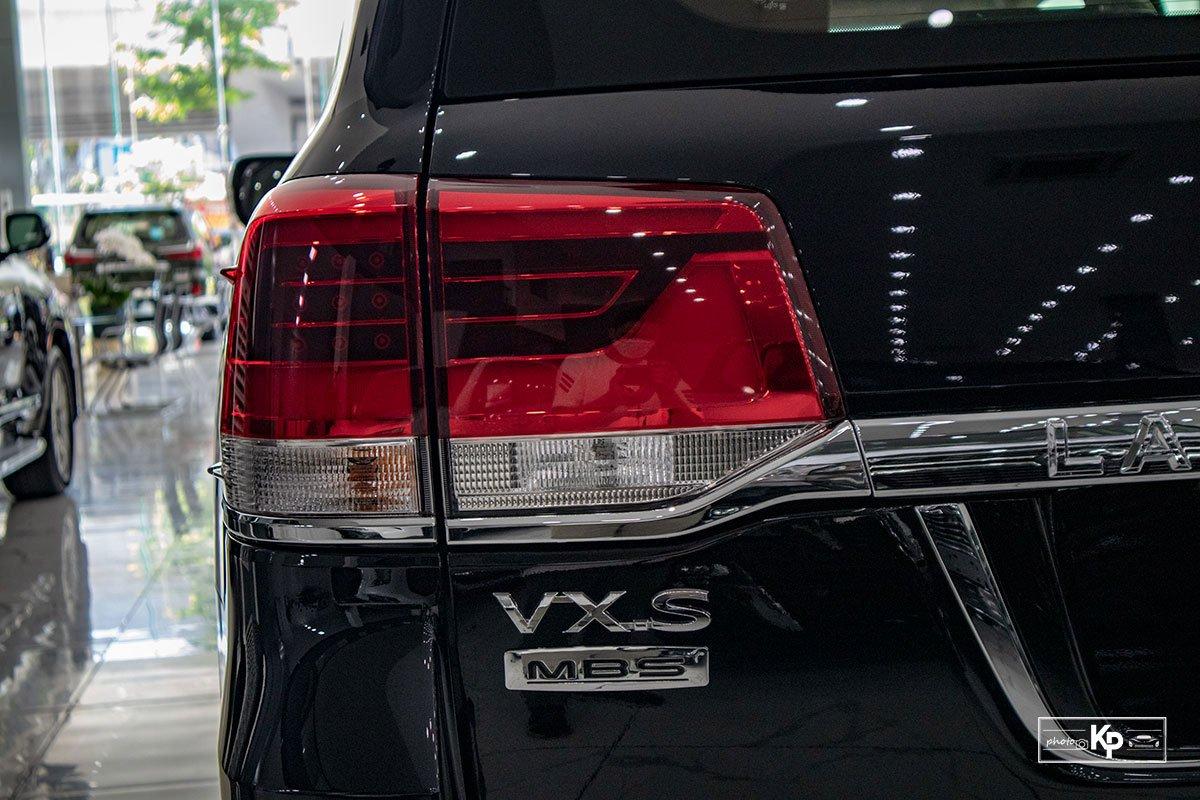 Ảnh Đèn hậu xe Toyota Land Cruiser 2021