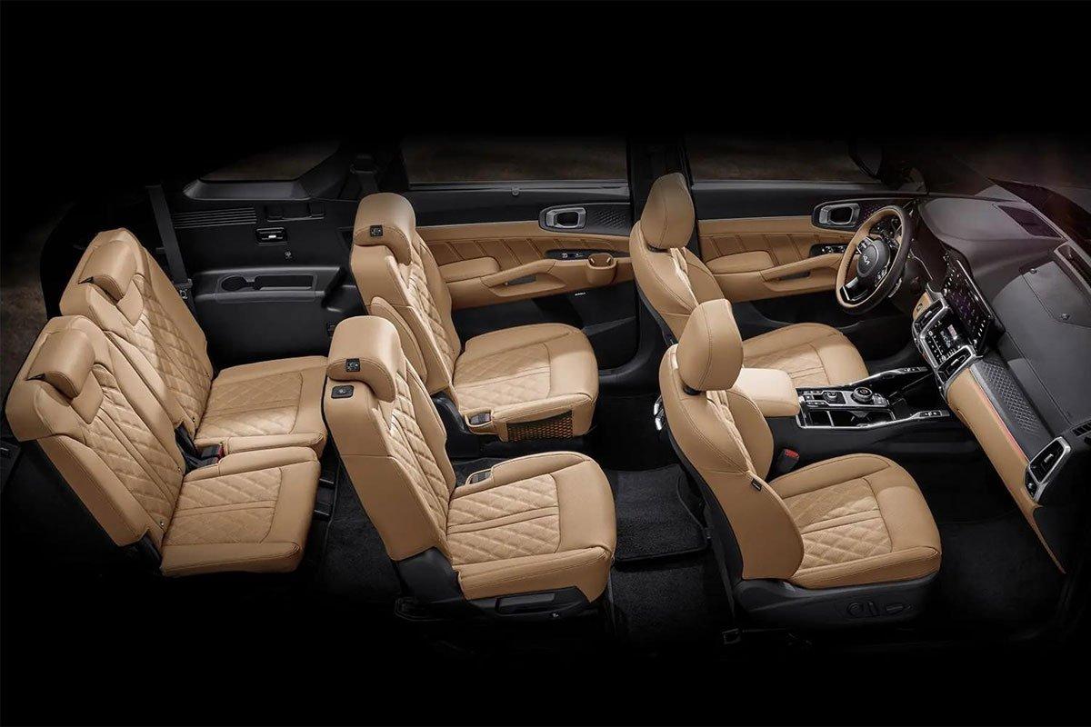 Kia Sorento 2022 được trang bị nội thất rộng rãi và khá sang trọng.