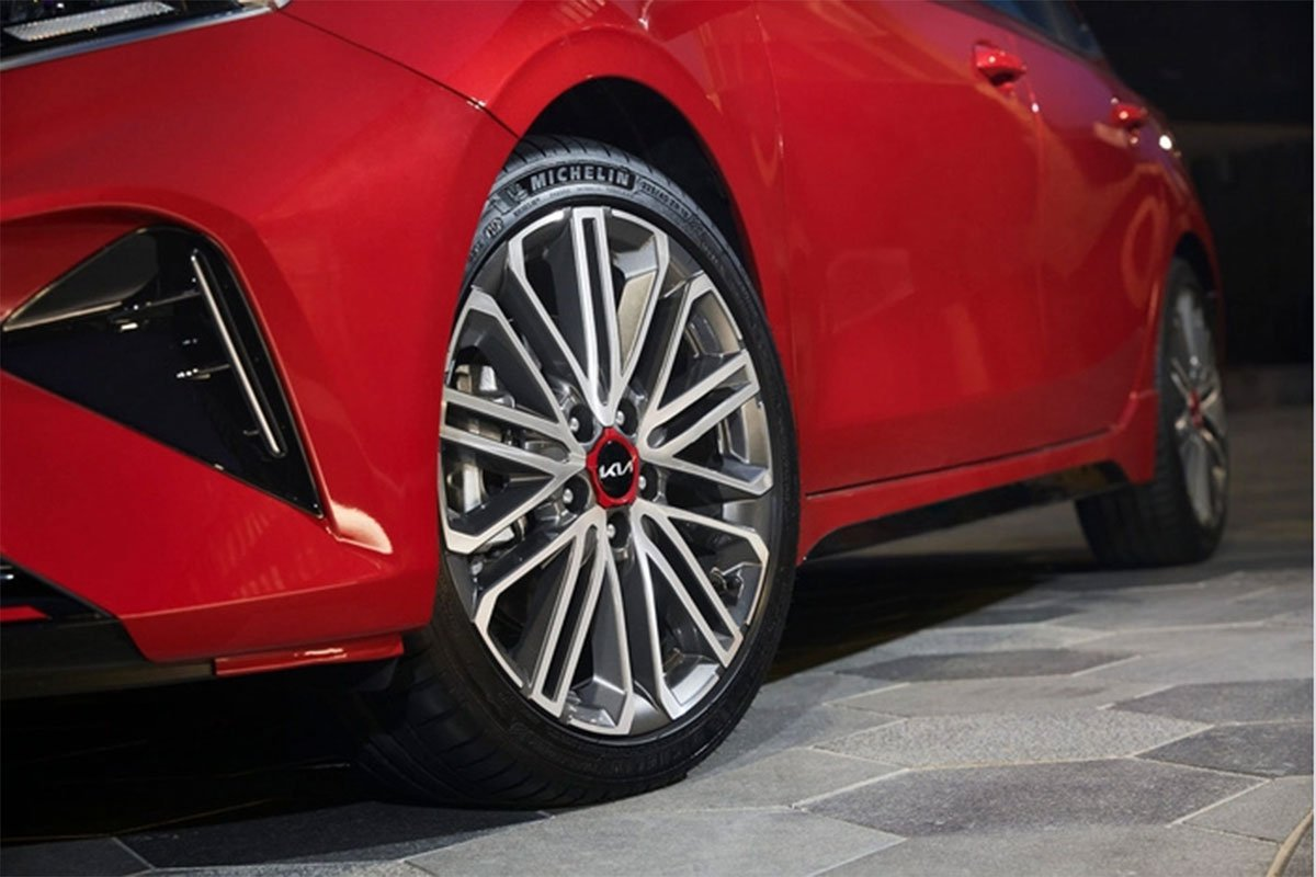 Kia Cerato được tinh chỉnh ngoại hình sắc sảo hơn